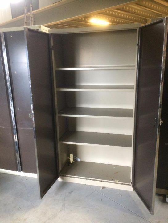 Diverse metalen werkplaatskasten garagekasten kasten staal for Stalen ladenblok